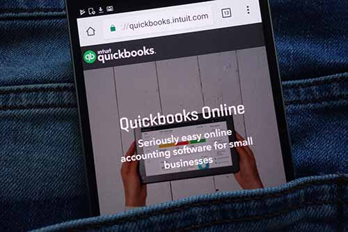 Quickbooks online open in cellphone browser.